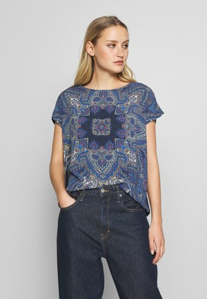 T-shirts med print - classic blue/nature