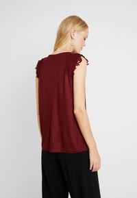 s.Oliver BLACK LABEL - Blouse - bordeaux - 2