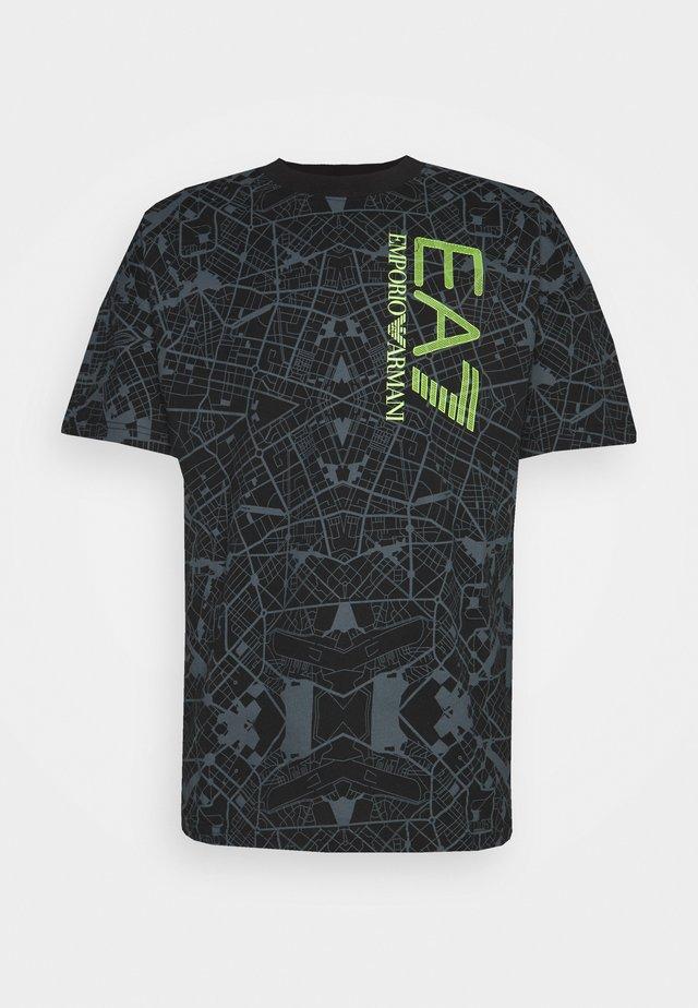 T-shirt con stampa - black/neon yellow