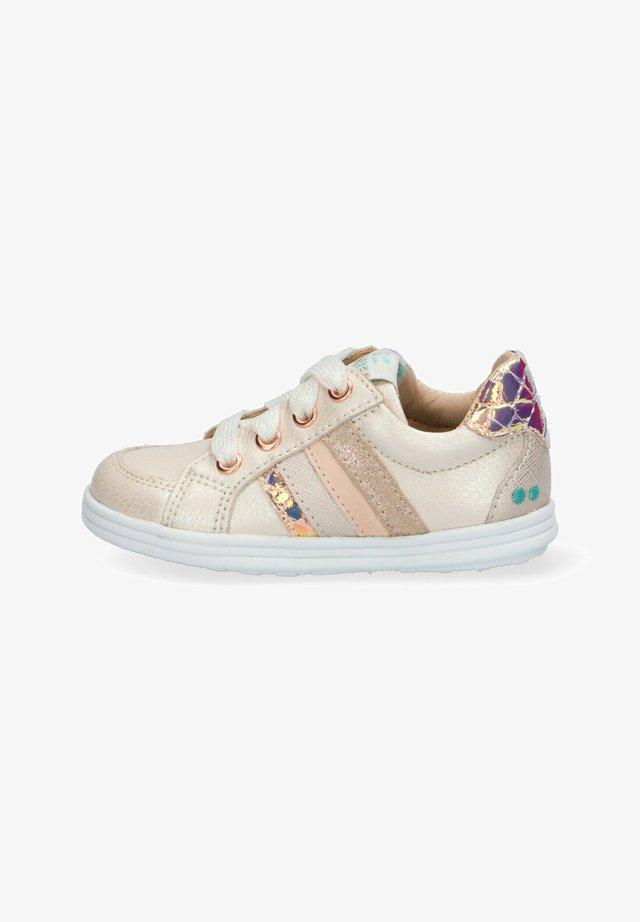 SANDRA STOER  - Sneakers laag - pink