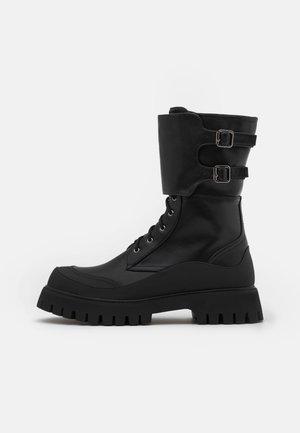 NIGHTWOLF - Šněrovací kotníkové boty - black