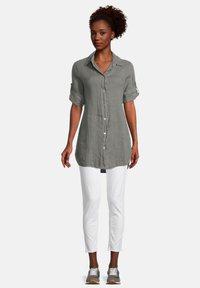 Cartoon - Button-down blouse - linen green - 1