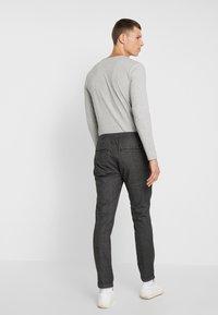TOM TAILOR DENIM - JOGGER - Trousers - grey - 2