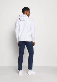 Wrangler - TEXAS - Jeans straight leg - blast blue - 2