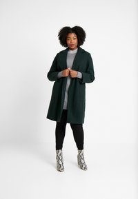 Dorothy Perkins Curve - PATCH POCKET WRAP - Manteau classique - green - 1