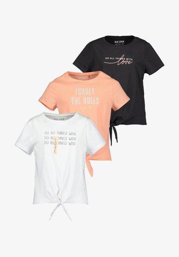 FINALLY BLUE - T-shirt print - white