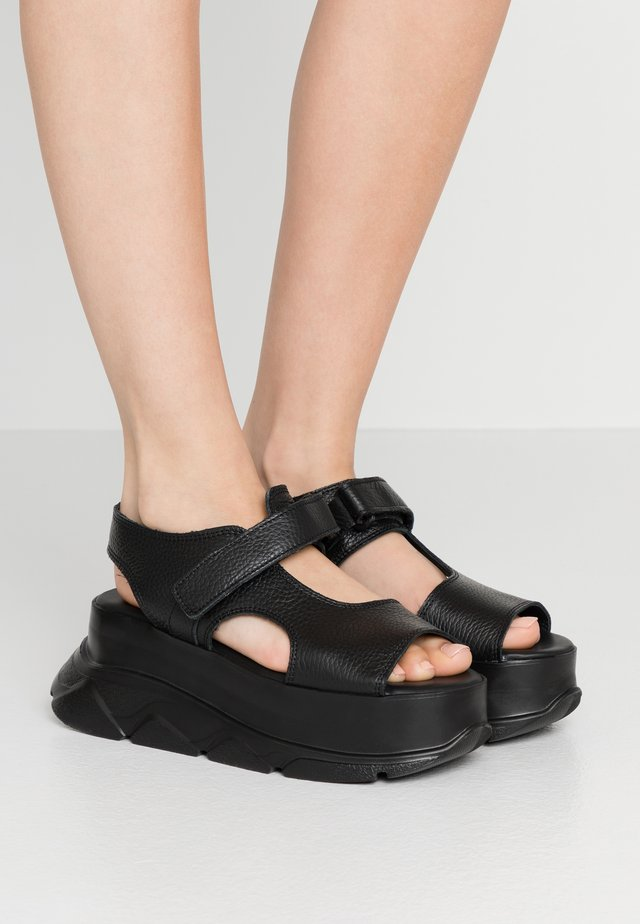 SPICE WEDGE - Platform sandals - black