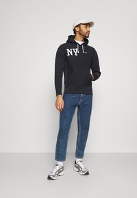 Champion Reverse Weave - HOODED NEW YORK - Sweatshirt - dark blue - 1