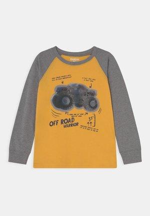 MIDTIER GRAPHIC TEE - Camiseta de manga larga - yellow