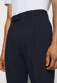 Paul Smith - GENTS FORMAL TROUSER - Suit trousers - navy - 3