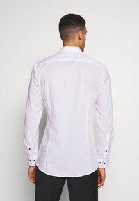 OLYMP - OLYMP NO.6 SUPER SLIM FIT  - Formal shirt - white - 2
