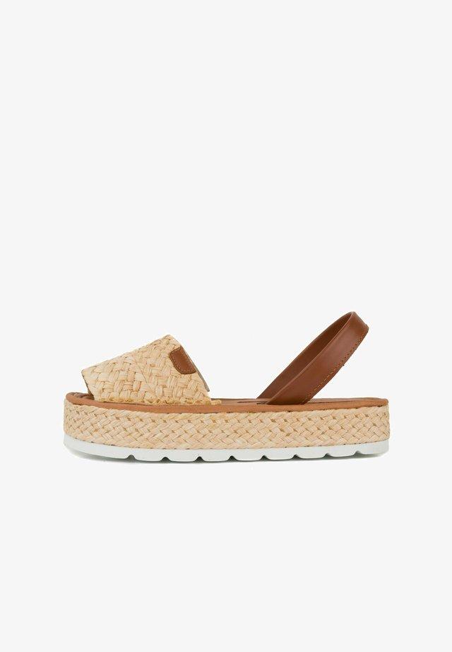 MENORCAN - Sandalen met plateauzool - beige