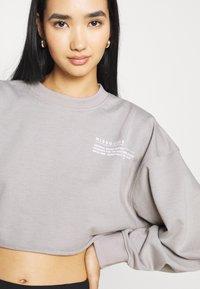 Missguided - CROPPED RAW HEM - Sweatshirt - light grey - 3