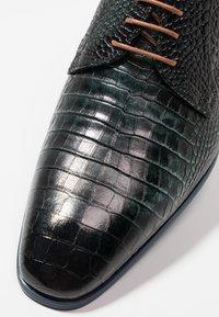 Giorgio 1958 - Šněrovací boty - green - 5
