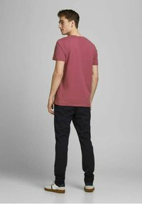Jack & Jones - JORTYLER TEE CREW NECK  - Print T-shirt - hawthorn rose - 2