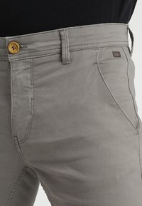 Blend - SLIM FIT - Pantalones chinos - granite - 3