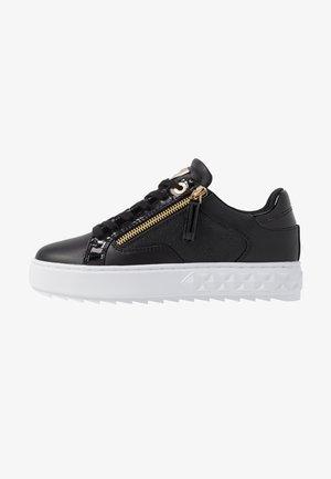 FIGGI - Zapatillas - black