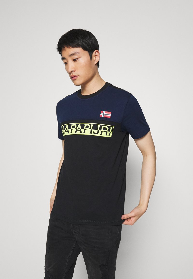 Napapijri - SARAS - T-shirt med print - black