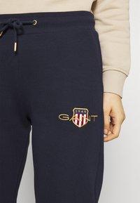 GANT - ARCHIVE SHIELD PANT - Pantalon de survêtement - evening blue - 6