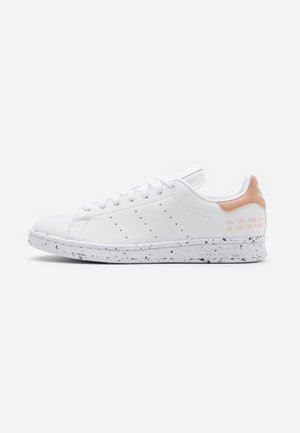 STAN SMITH PRIMEGREEN VEGAN - Sneaker low - footwear white/pale nude