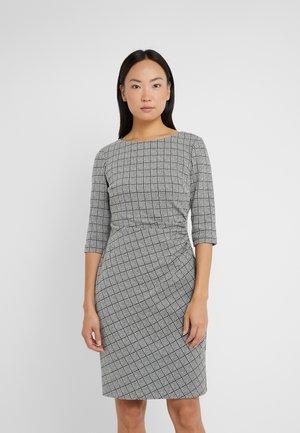 DRESS - Pouzdrové šaty - black/white