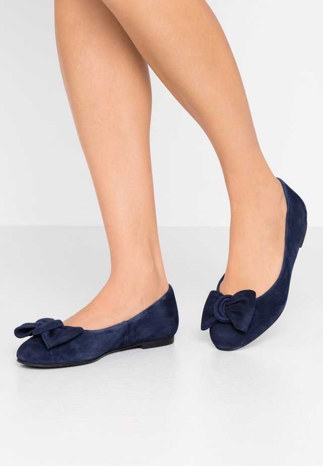 WIDE FIT CARLA - Ballet pumps - navy