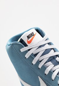 Nike Sportswear - BLAZER MID '77 - Zapatillas altas - thunderstorm/pure platinum/sail - 8