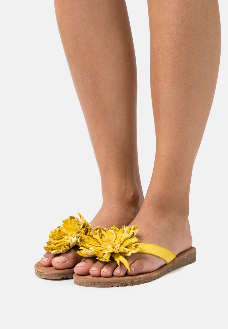 Lazamani - T-bar sandals - yellow