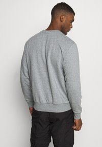 Puma - REBEL CREW  - Sweatshirt - medium gray heather - 2