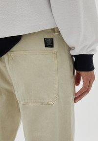 PULL&BEAR - Straight leg jeans - mottled beige - 4