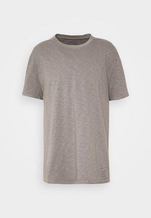 MATEO  CREW - T-shirts basic - flint grey