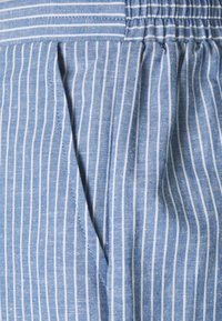 VILA PETITE - VIDUFFY - Shorts - colony blue/white - 2