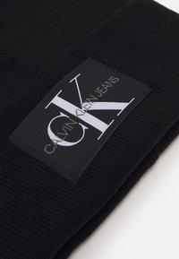 Calvin Klein Jeans - BEANIE - Čepice - black - 2