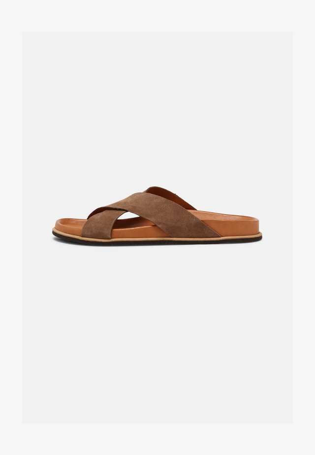 Mules - light brown