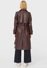Stradivarius - Trenchcoat - brown - 2
