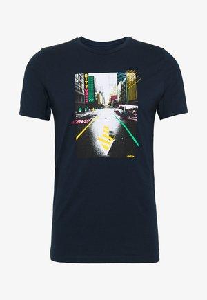 JORLUCIANO  - T-shirt med print - navy blazer