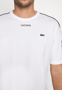 Lacoste - Print T-shirt - weiss - 5