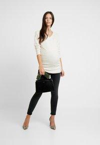 GAP Maternity - Stickad tröja - oyster - 1