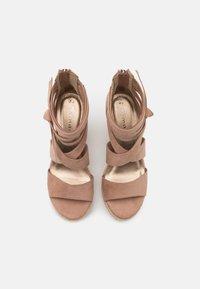 Tamaris - Platform sandals - pepper - 5