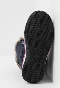 TrollKids - HOLMENKOLLEN UNISEX - Winter boots - navy/magenta - 5