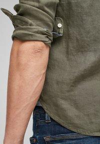 s.Oliver - Shirt - olive - 5
