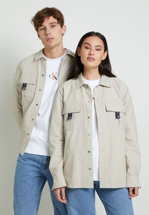 OVERSHIRT WITH GRAPHIC UNISEX - Shirt - string