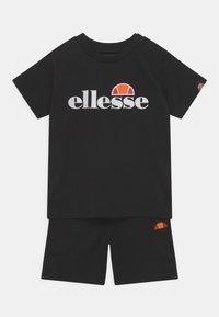 Ellesse - LEOPOLDI SET UNISEX - Shorts - black - 0