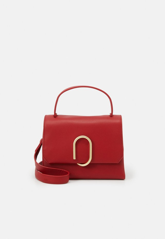 ALIX MINI TOP HANDLE SATCHEL - Bolso de mano - scarlet