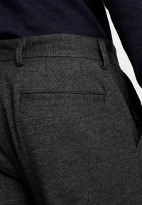 Selected Homme - SLHSPECIA ALEX MIX ZIP PANTS - Pantalones - grey - 3