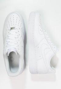Nike Sportswear - AIR FORCE 1 '07 - Sneakers laag - white - 3