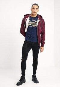 Superdry - VINTAGE LOGO TEE - Print T-shirt - gardena navy - 1