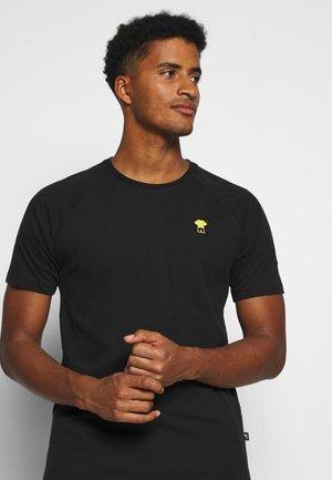 BVB BORUSSIA DORTMUND FTBLFEAT GAME TEE - Klubbkläder - black