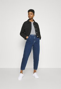 ONLY - ONLLIVA SLOUCHY - Jeans relaxed fit - dark blue denim - 1