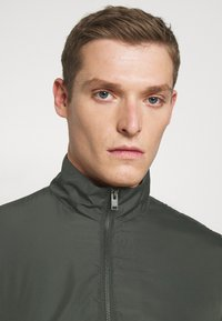Selected Homme - SLHETHAN - Light jacket - forest night - 3